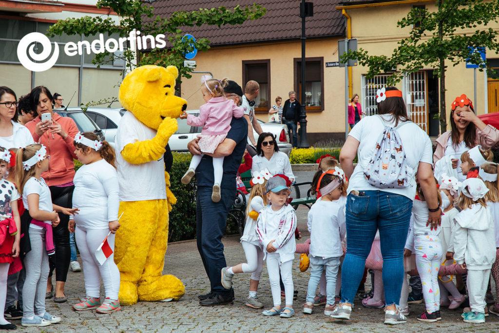 kubuś puchatek na imprezy dla dzieci - wynajem żywej postaci, maskotki warszawa